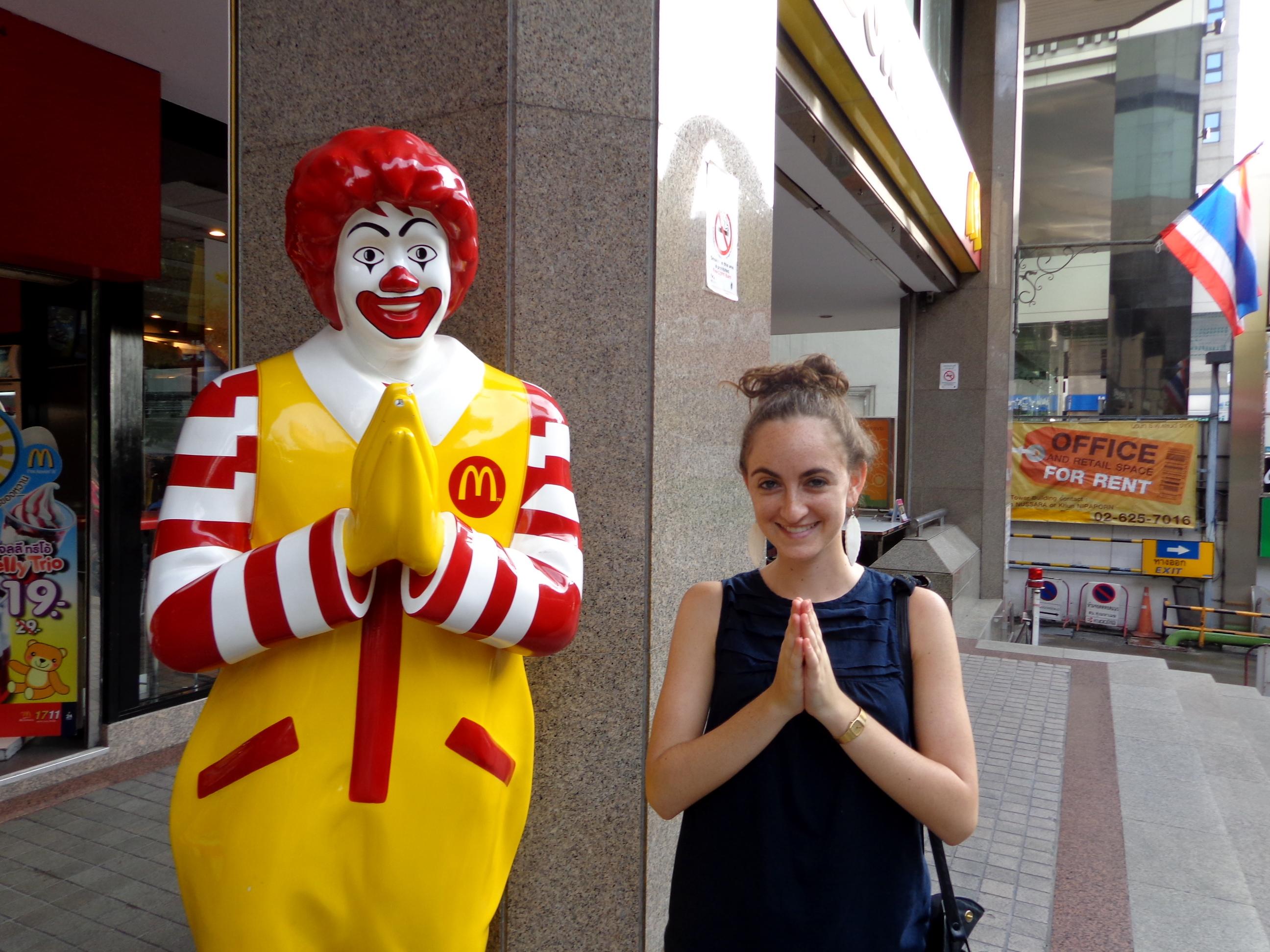 wai-ing in Bangkok