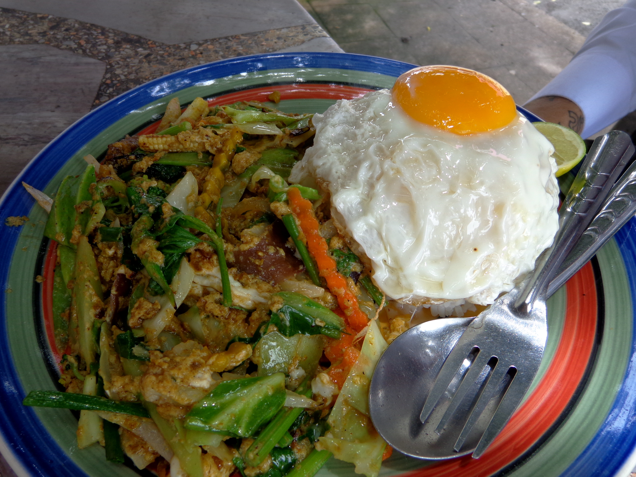 pad pangaree jay (yellow curry vegetables) food in Thailand
