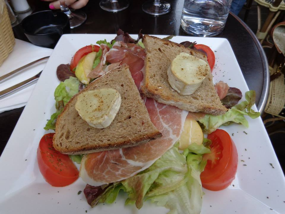 Eating salad in Paris