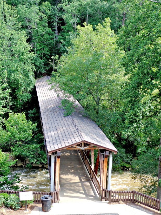 Hiking Vickery Creek in Atlanta wood covered bridge