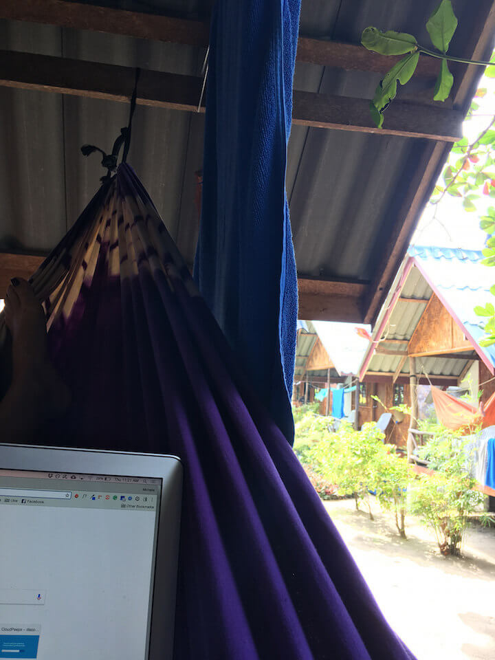 Working as digital nomad freelance writer while in Thailand