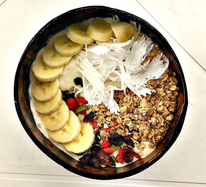 Smoothie bowl from Living Juices in Koh Tao
